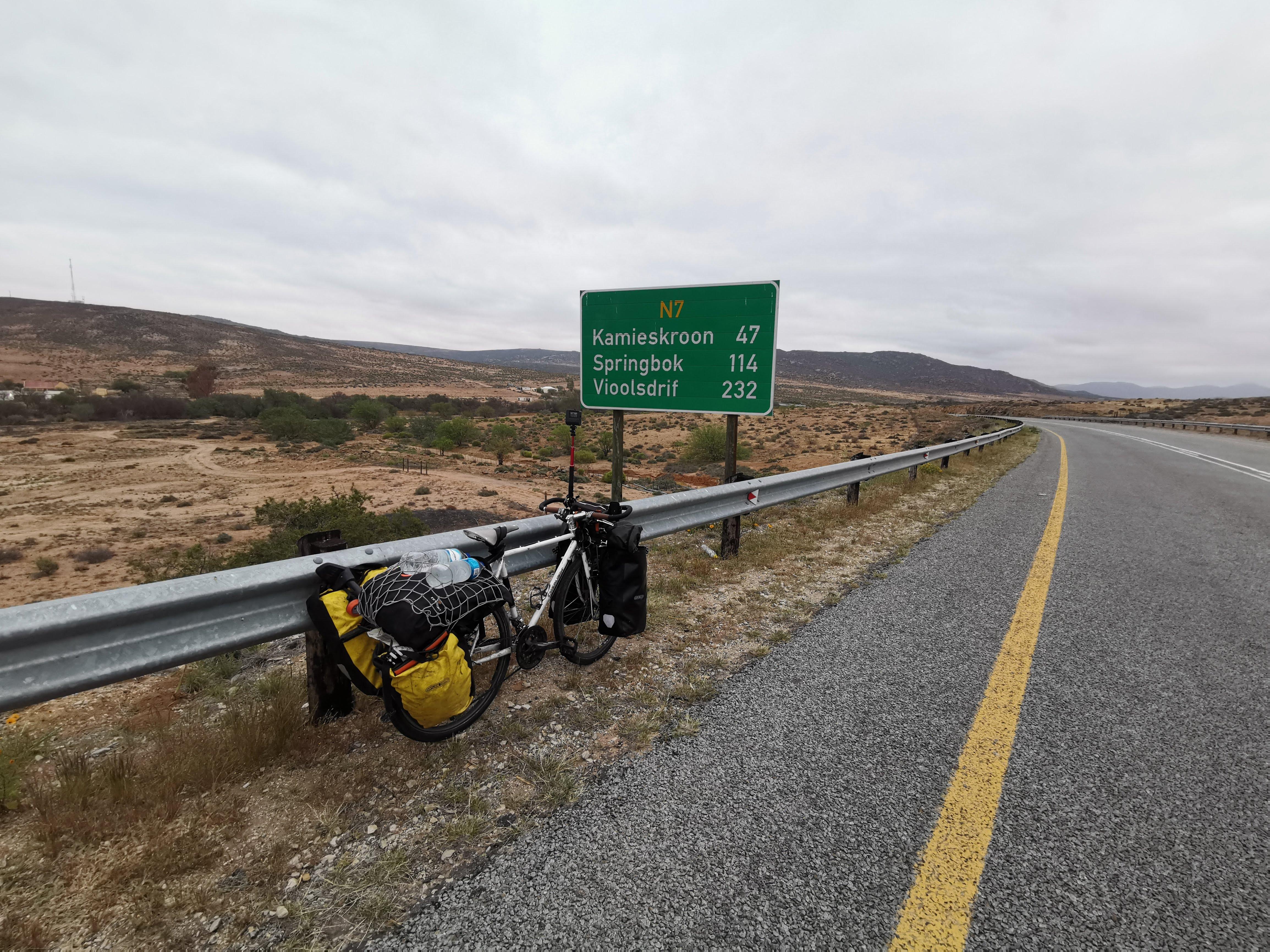 Springbokまで114kmの標識