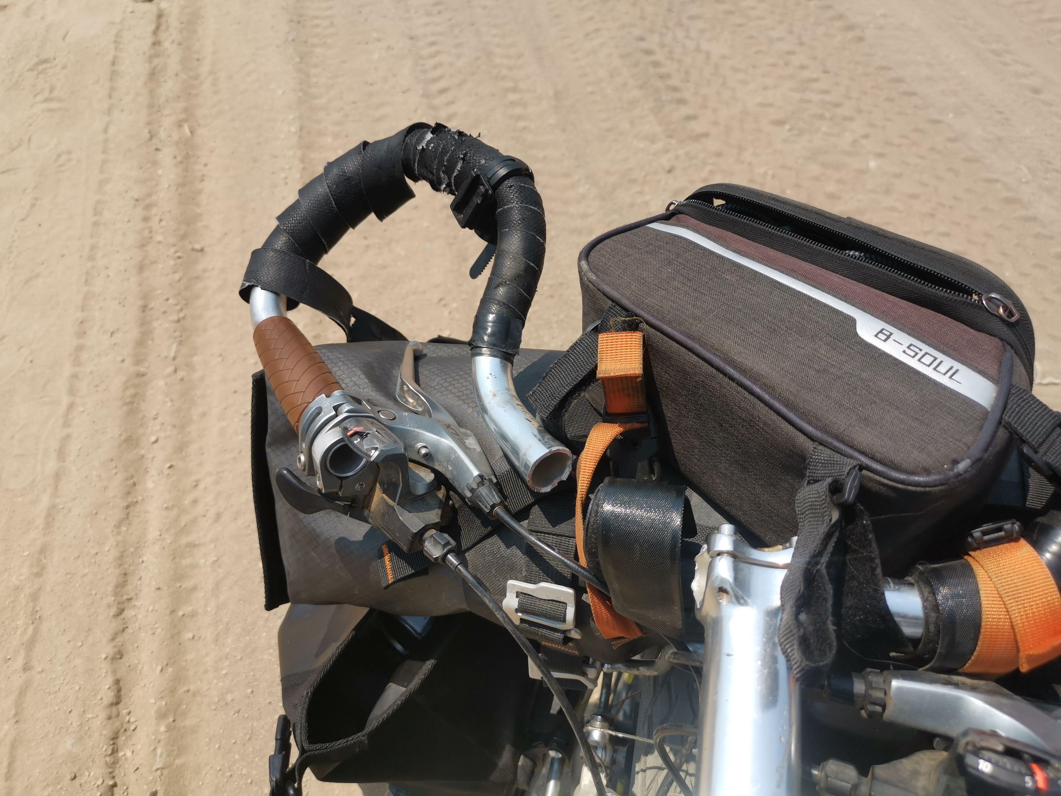 ハンドルが折れた自転車